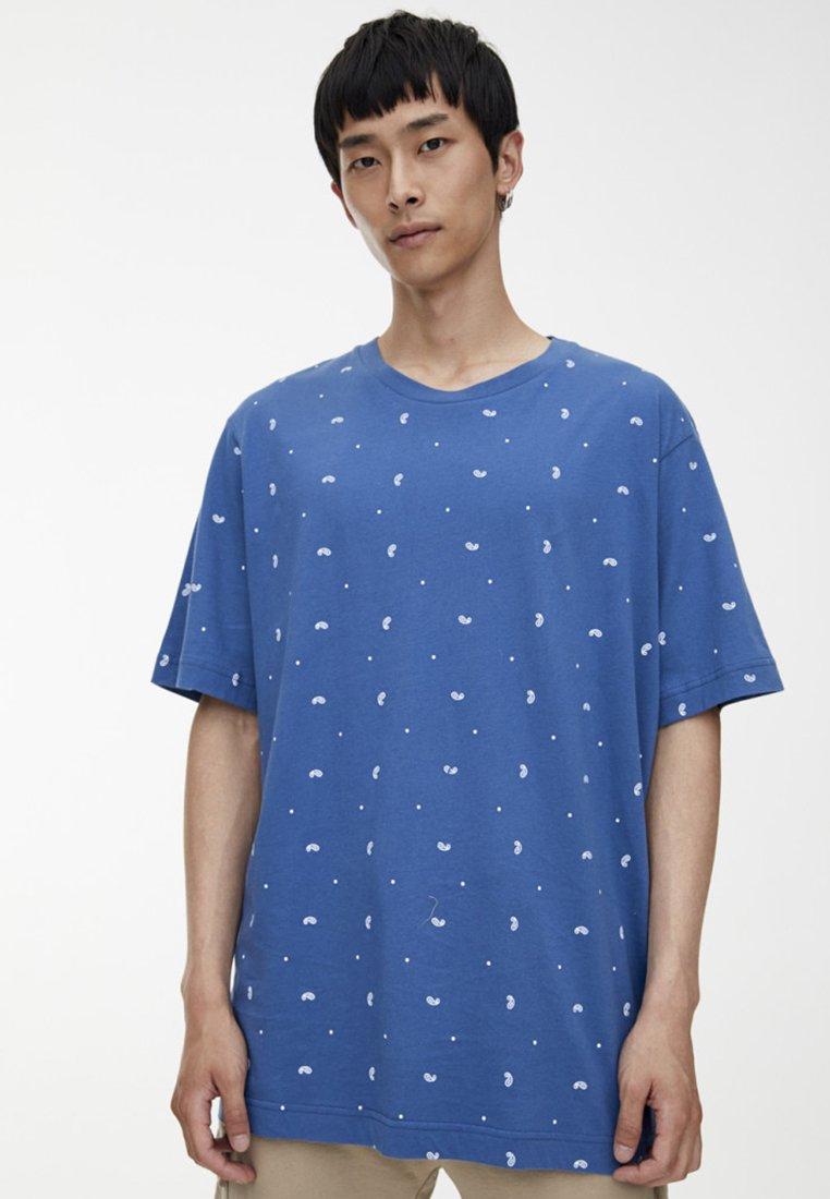 PULL&BEAR - MIT MIKROPRINT  - T-Shirt print - blue