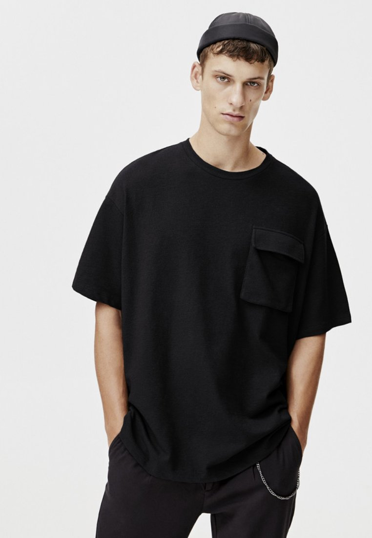 PULL&BEAR - MIT TASCHEN - T-shirt print - black