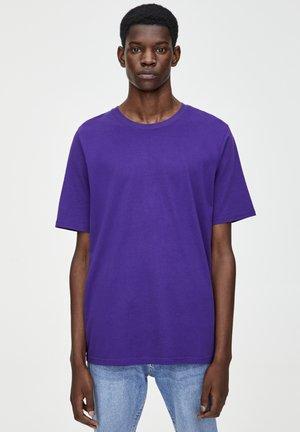 MIT KURZEN ÄRMELN  - Basic T-shirt - dark purple