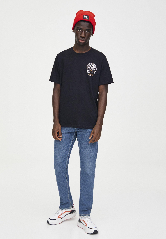 PULL&BEAR SCHWARZES SHIRT ALEX MÁRQUEZ MIT MOTIV 05234912 - T-shirt imprimé - black