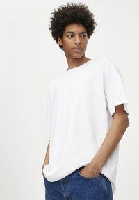 PULL&BEAR - 2 PACK - T-shirt basique - multi-coloured - 4