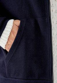 PULL&BEAR - MIT KAPUZE - veste en sweat zippée - dark blue - 3