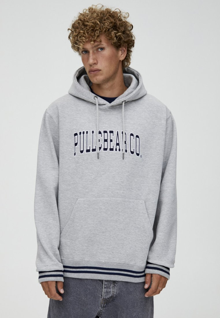 PULL&BEAR - MIT KAPUZE UND PULL&BEAR-LOGO - Hoodie - light grey