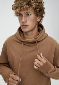 PULL&BEAR - BASIC - Hoodie - brown - 3