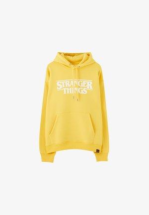 STRANGER THINGS - Bluza z kapturem - yellow