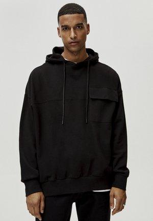 MIT TASCHEN  - Felpa con cappuccio - black