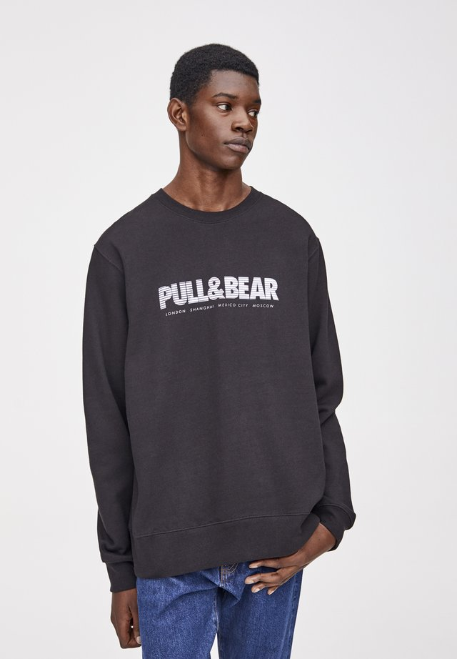 MIT FARBIGEM LOGO - Sweatshirt - black