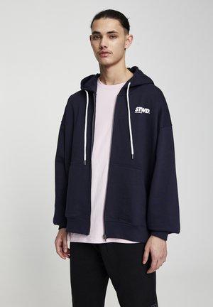 SWEATSHIRT MIT KONTRASTFARBENEM MOTIV 05597501 - Zip-up hoodie - dark blue
