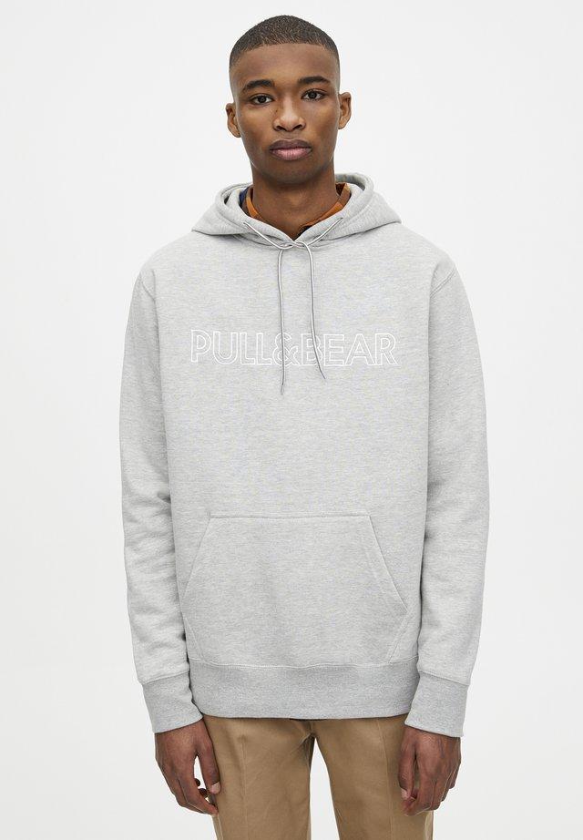 MIT KAPUZE UND SLOGAN - Hoodie - dark grey