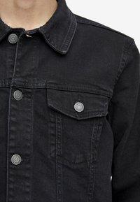 PULL&BEAR - Giacca di jeans - black - 4