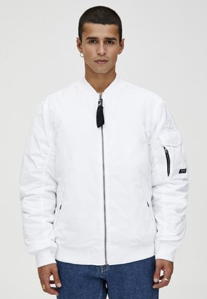 BASIC - Bomberjacks - white