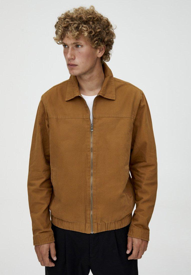 PULL&BEAR - Leichte Jacke - brown