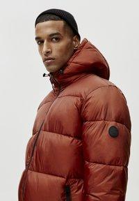 PULL&BEAR - Winterjas - mottled red - 4