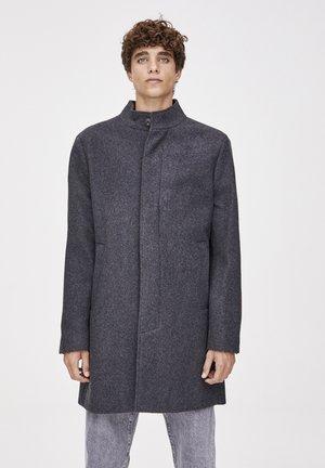 MIT ROLLKRAGEN - Manteau classique - grey