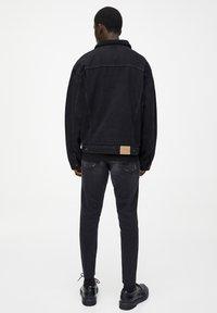 PULL&BEAR - Džínová bunda - black - 2