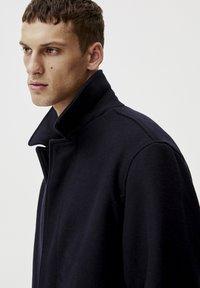 PULL&BEAR - Krátký kabát - blue - 4