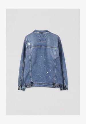 MIT ZIERRISSEN - Spijkerjas - light blue