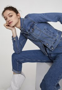 PULL&BEAR - Giacca di jeans - light blue - 3