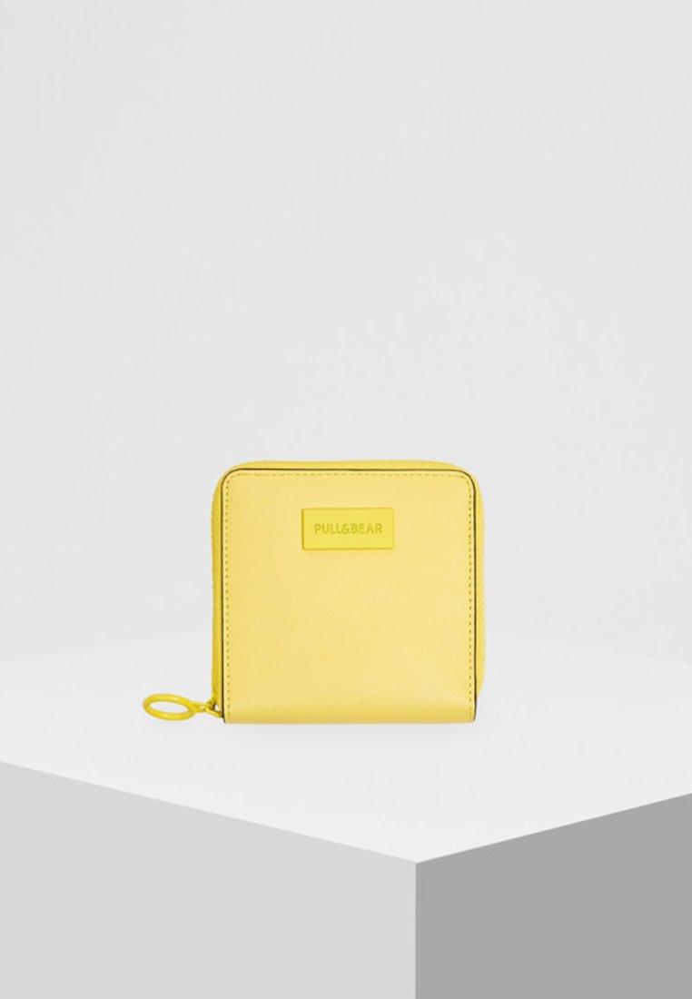 PULL&BEAR - Portemonnee - neon yellow