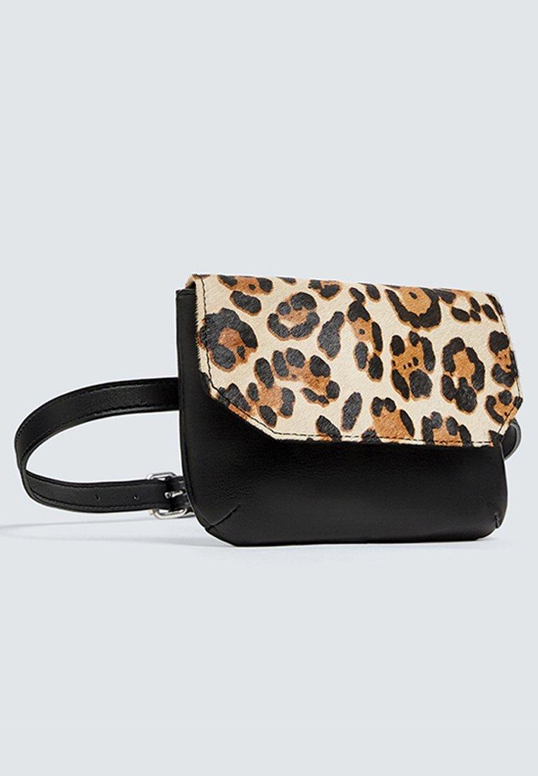 Pull&bear Mit Leoparden - Marsupio Black/brown