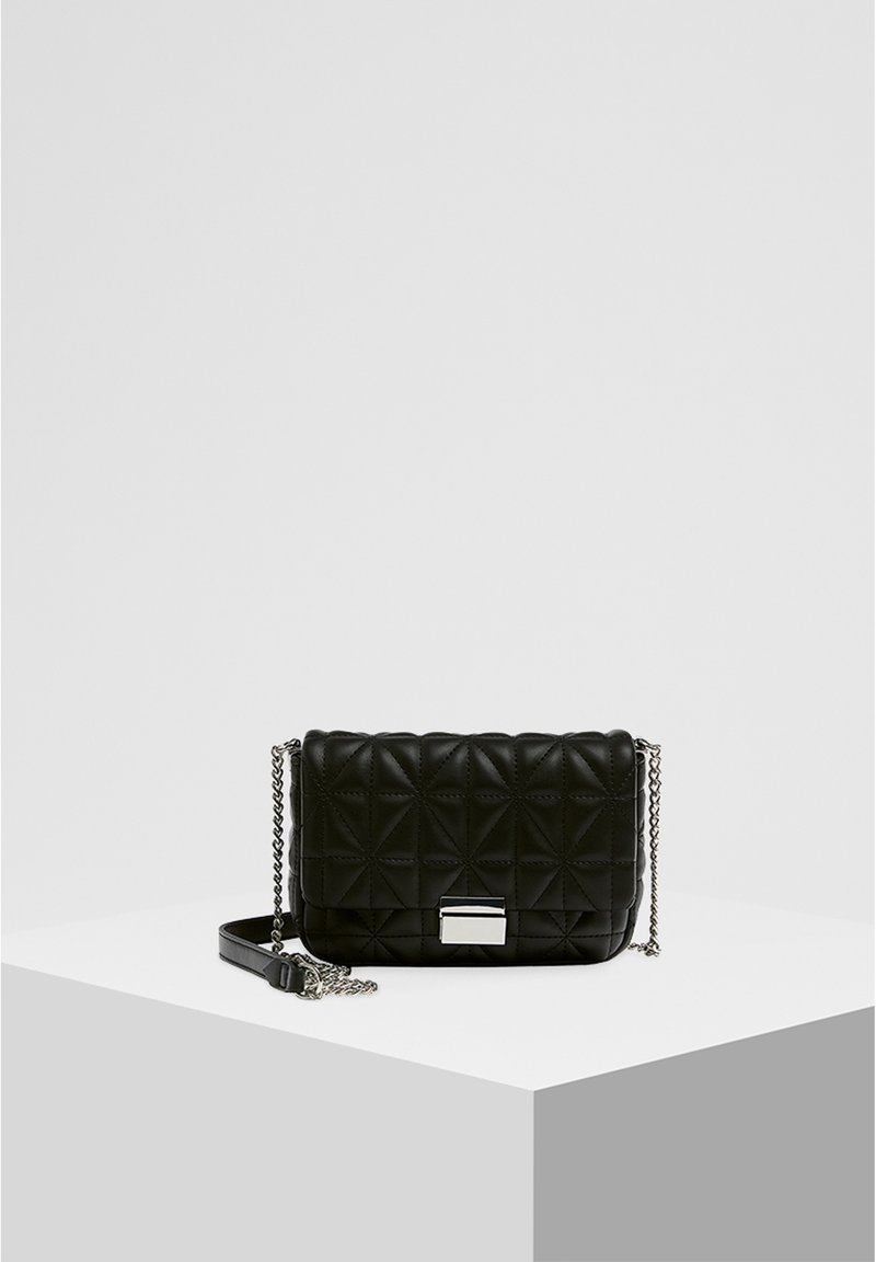 PULL&BEAR - GESTEPPTE UMHÄNGETASCHE IN SCHWARZ 14005540 - Across body bag - black