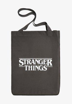 "SHOPPER ""STRANGER THINGS"" IN GRAU 14109540 - Tote bag - grey"