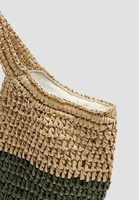 PULL&BEAR - BUNTER SHOPPER 14135540 - Shopper - sand - 3