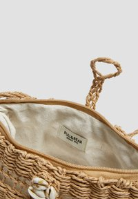 PULL&BEAR - Across body bag - sand - 5