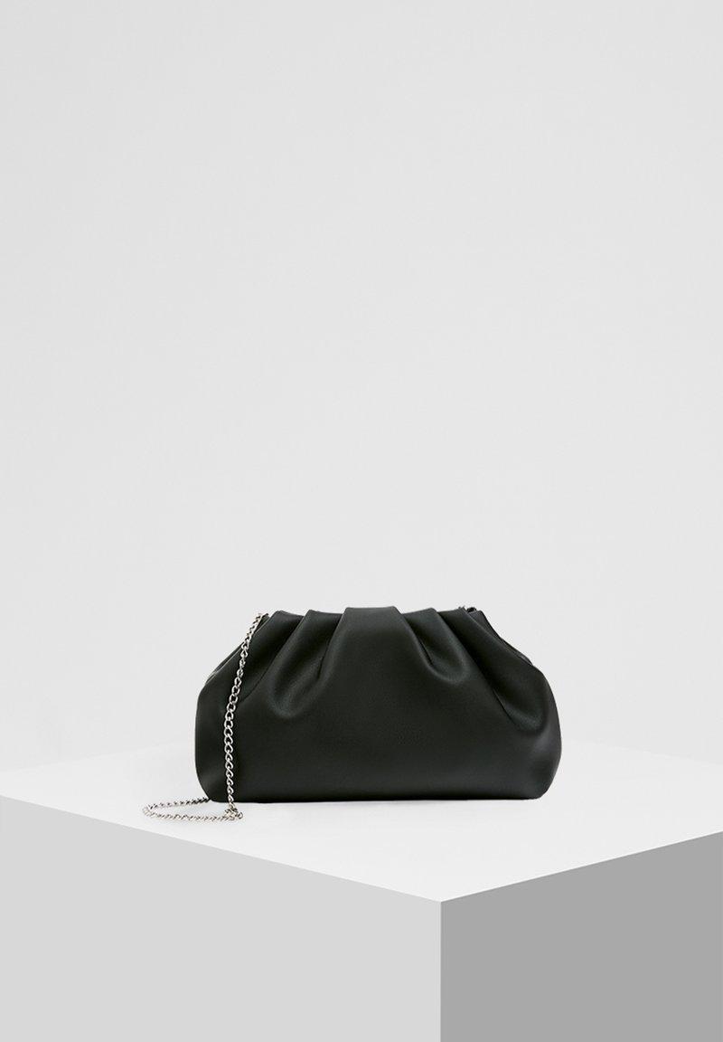 PULL&BEAR - MIT RAFFUNG - Across body bag - black