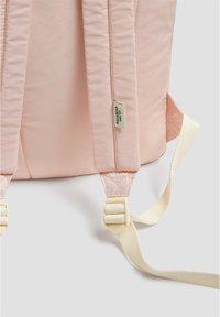 PULL&BEAR - MIT LOGO - Reppu - light pink - 4