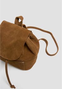 PULL&BEAR - Reppu - brown - 4