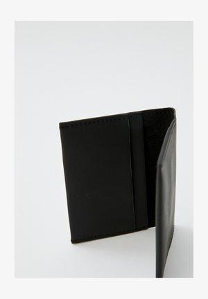 MIT LOGO - Wallet - black