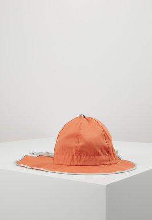 KIDS MIT NACKENSCHUTZ - Hat - papaya