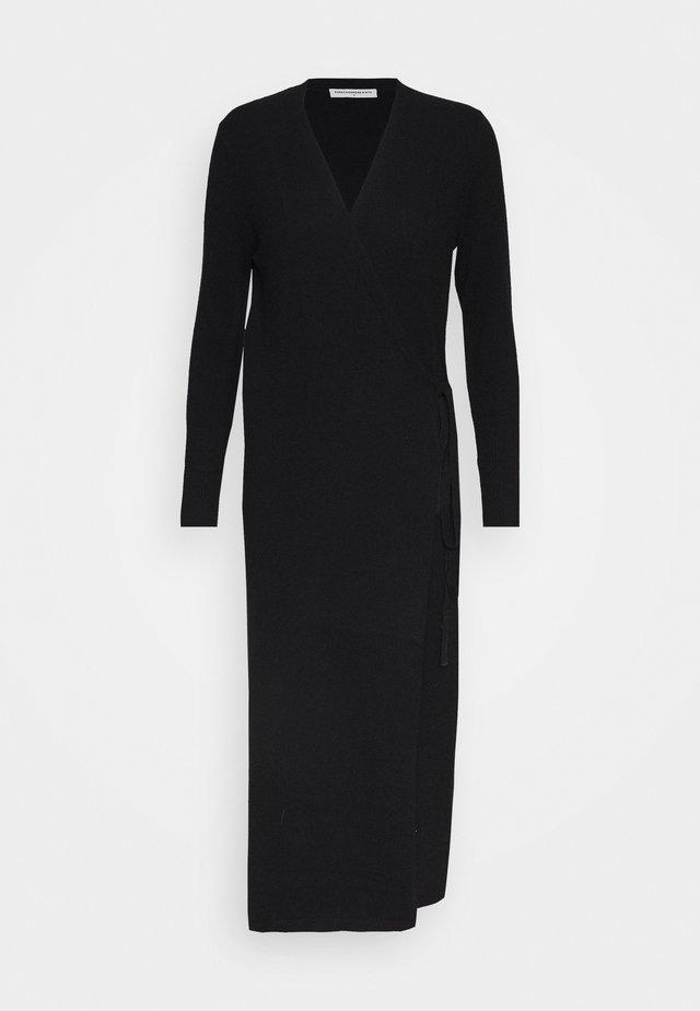 WRAP DRESS - Strickkleid - black