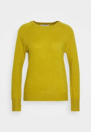 CLASSIC CREW NECK  - Jersey de punto - mustard