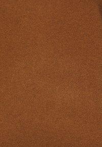 pure cashmere - CLASSIC CREW NECK  - Svetr - deep camel - 2