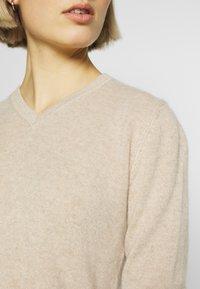 pure cashmere - V NECK - Trui - oatmeal - 4