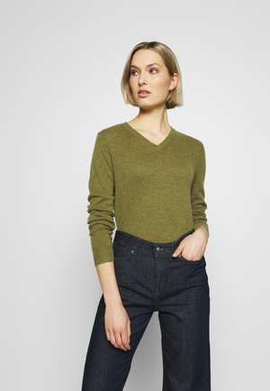 V NECK - Jumper - olive