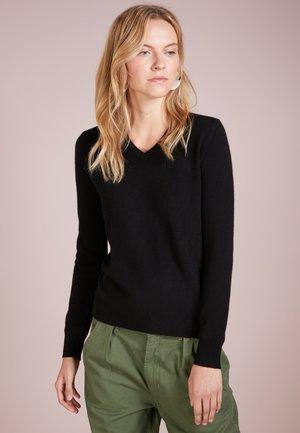 V NECK - Pullover - black