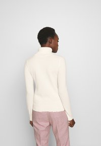 pure cashmere - TURTLENECK SWEATER - Neule - ivory - 2
