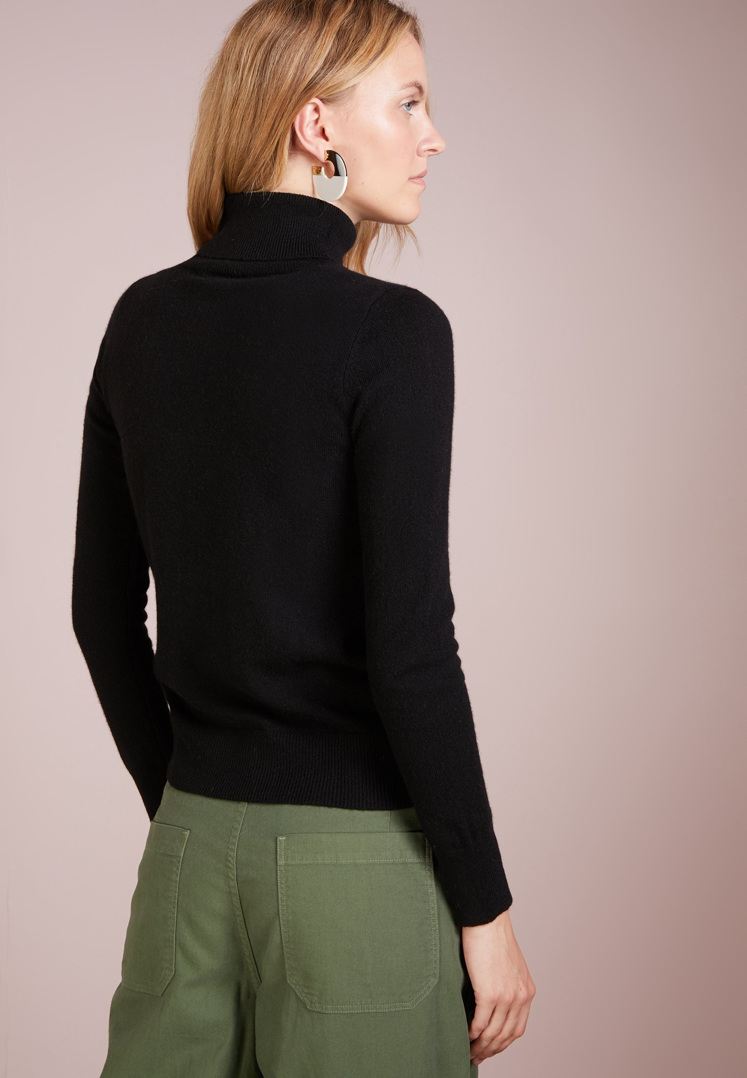 Cashmere Pure Turtleneck SweaterPullover Black Pure Black Cashmere Turtleneck SweaterPullover HED29I