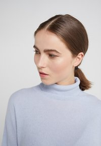 pure cashmere - TURTLENECK - Jumper - baby blue - 3