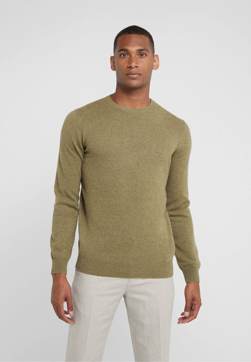 pure cashmere - MENS CREW NECK SWEATER - Strikkegenser - olive