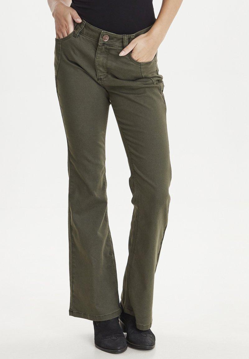 PULZ - PZRITA  - Flared Jeans - brown