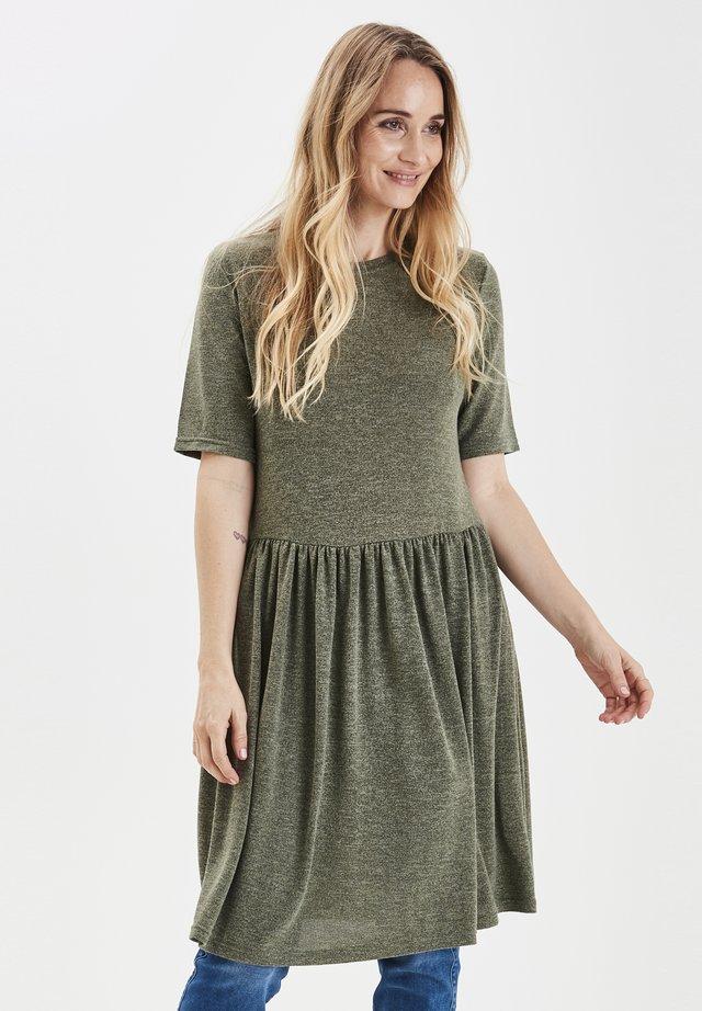 PXJACKLINA - Gebreide jurk - pine needle melange