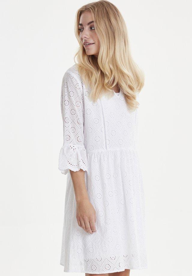 PZMARIELLA - Freizeitkleid - bright white