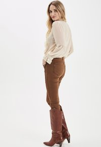 PULZ - PXSTARBLUE SHIRT - Button-down blouse - brazilian sand - 3