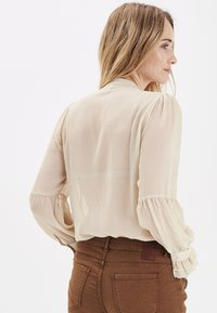 PULZ - PXSTARBLUE SHIRT - Button-down blouse - brazilian sand - 2