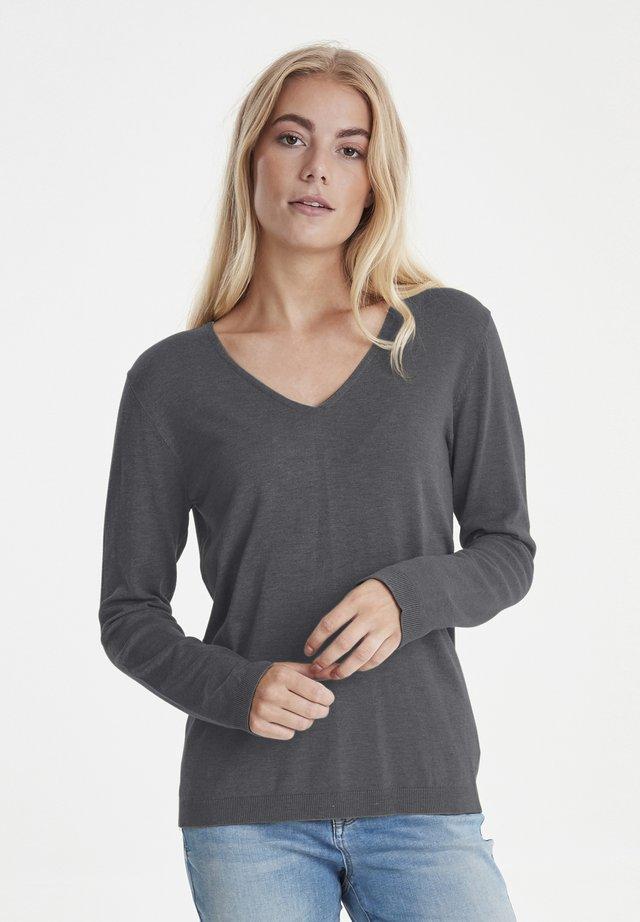 Strikpullover /Striktrøjer - grey