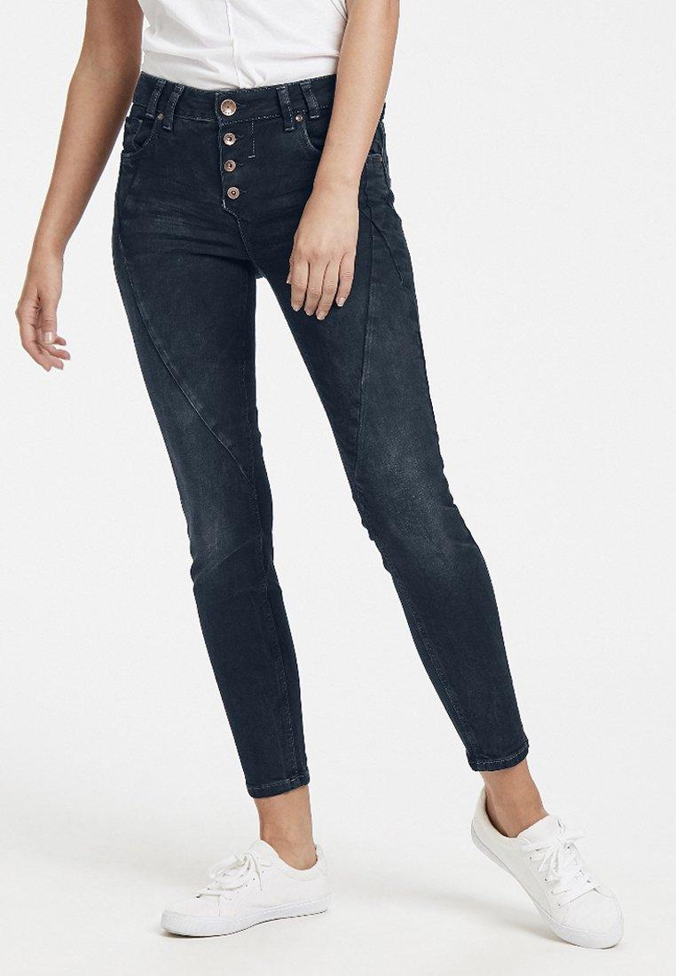 PULZ - ROSITA REG. WAIST ANKLE - Jeansy Skinny Fit - dark blue denim
